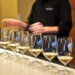 ¿A qué temperatura hay que servir el vino blanco?
