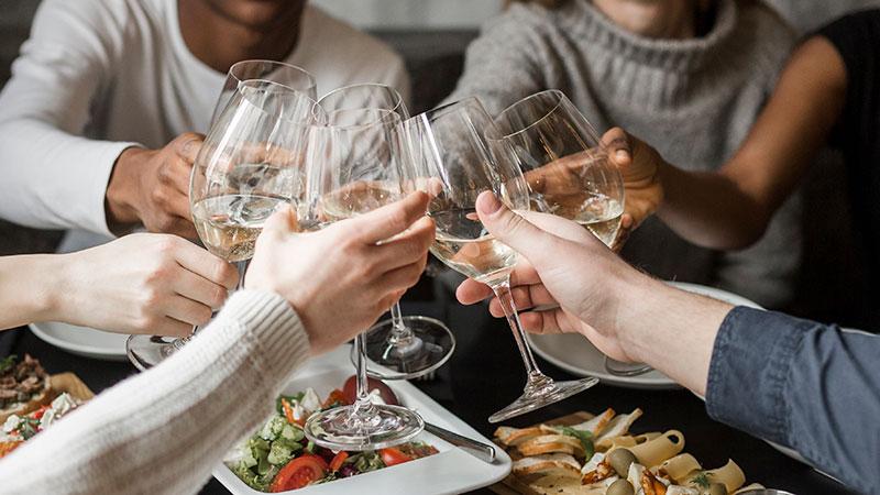 3 mitos erróneos sobre el vino blanco